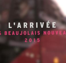 Arrivée des Beaujolais Nouveaux 2015 en 2CV !