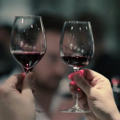 verre dégustation beaujolais nouveau